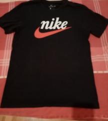 crna nike majica