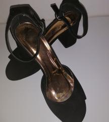Crne sandale 38 br