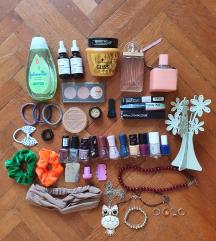 Lot kozmetike, nakita i gumica za kosu