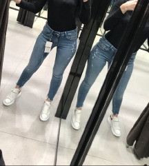 Zara traperice  novo