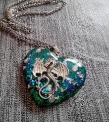 Ogrlice od epoxy smole sa zmajem
