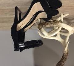 Predivne i nikad nosene suede black sandals:)