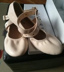 Nude nove balerinke