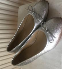 Srebrne kožne balerinke 37