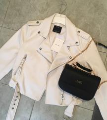 Bershka nova jaknica *postarina ukljuc*