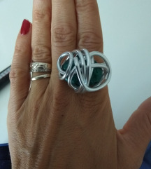 Novi prsten zeleni kamen