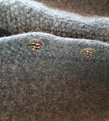 Tamno sivi pulover