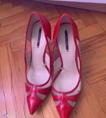 crvene cipele na petu Zara