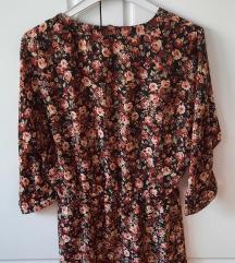 H&M cvjetna haljina na V-izrez