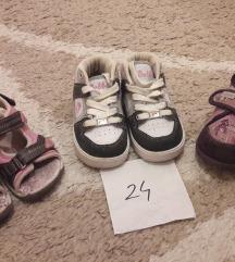 Lot obuće za curice 24