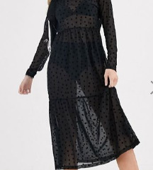 Prozirna crna haljina na zvjezdice