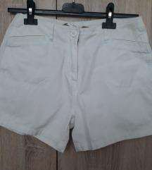 Bijele kratke hlace