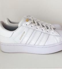 %Nove Adidas Bold Superstar 37