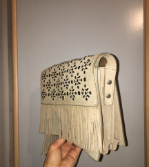 Mala torbica s resicama