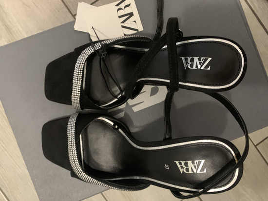 Zara sandale 37 NOVO