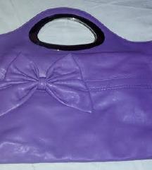 Ljubicasta torbica s masna