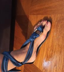 Plave sandale na vezanje