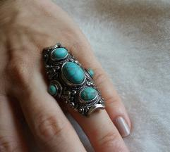 Prsten sa 3 kamena