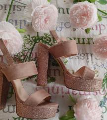 Ružičaste roza štikle sandale