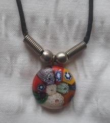 Ogrlica sa staklenim privjeskom