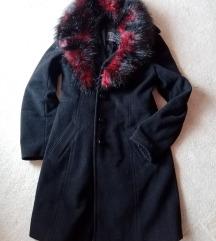 Esprit crni kaput