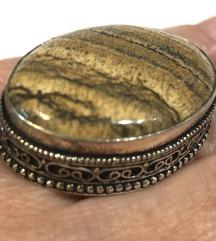 Novo, jaspis, posrebren filigran prsten