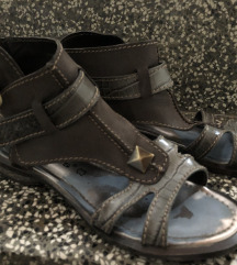 Tamaris sandale tipa rimljanke