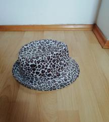 tigrasti šešir