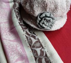 Sesir-kapa od buklea, roza boje, pasmina gratis