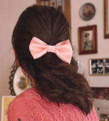 Rozna mašna za kosu