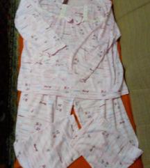 Povoljno prodajem 2 ženske pidžame!