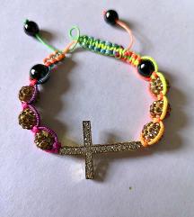 narukvica sa dijamantnim križem