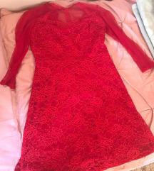 Crvena čipkasta svečana haljina