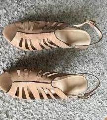 Kožne bež nude sandale vel 38