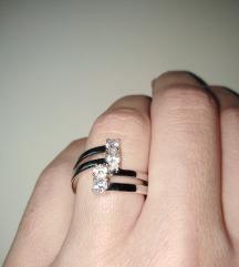 Srebrni prsten s cirkonima🍹