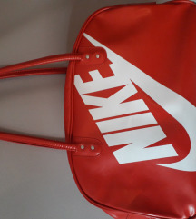 Nike crvena sportska torba