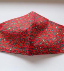 Ručno rađena crvena maska za lice sa uzorkom