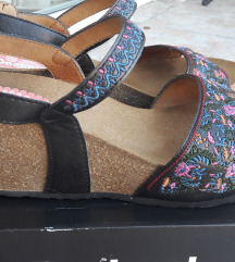 Desigual sandale 39 nove