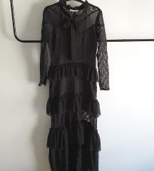 Crna čipkasta duga haljina