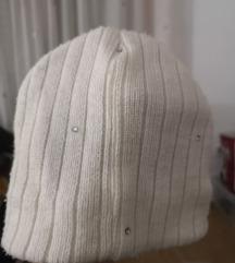 Bijela kapa s cirkonima