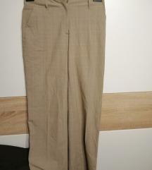 svjetle hlače