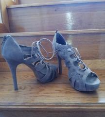 sandale na vezanje visoka peta