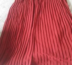 Bordo plisirana suknja