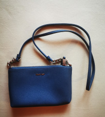 Calvin Klein plava torbica
