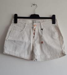 Nenošene hlačice
