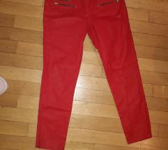 zara crvene hlače vel.42