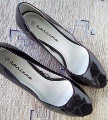 Pin-up lakirane niske cipele