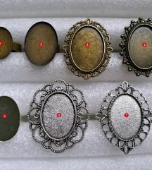 Prsten ''Red Christmas pattern'' (ručni rad)