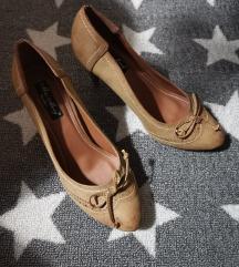 Prodajem cipele (nikad nošene)