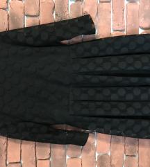 Crna točkasta haljina